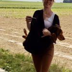 Julie Willems avec son Beagle