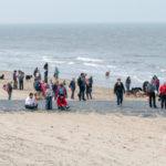 Groupe de personnes à la plage